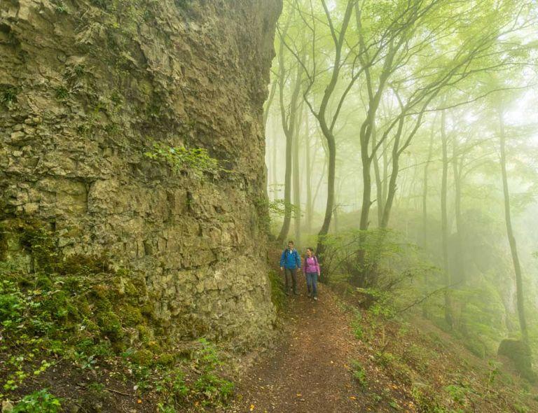 Wandern am Felsen