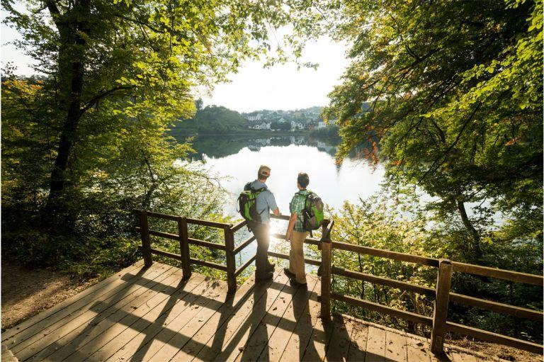 Maare und Thermen-Pfad am Ulmener Maar © Eifel Tourismus GmbH, D. Ketz